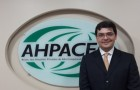 Ahpaceg recebe visita de representante da Anahp